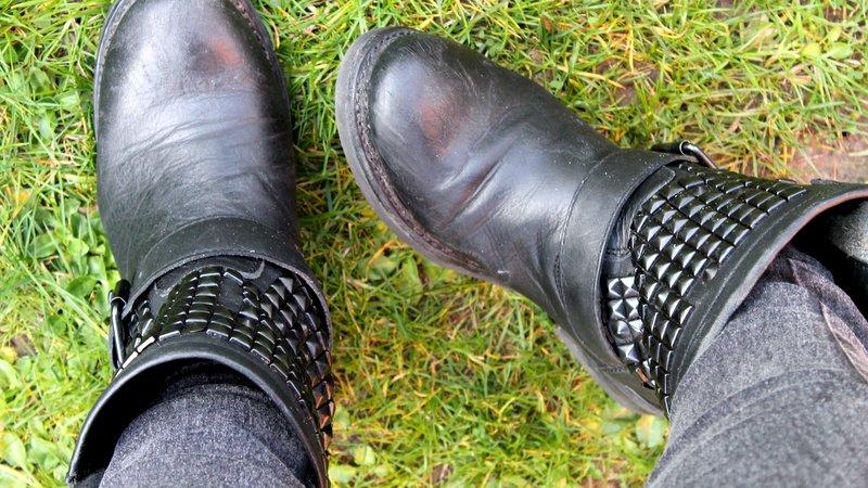ash titan boots