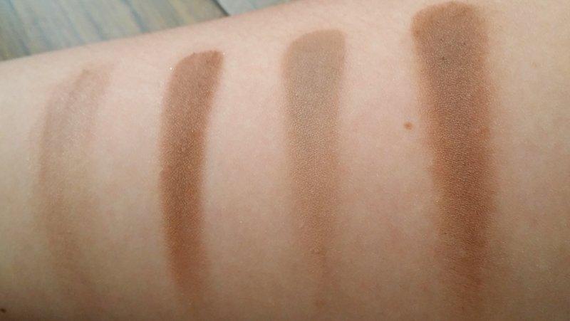 Van links naar rechts: UD Naked (die niet veel pigment meer gaf) - UD Buck - MAC Omega - MAC Cork